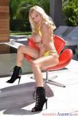 Blonde babe posing and fucking. Very nice!-u6rd4srye3.jpg