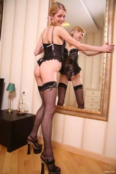 Sassy-Skinny-Teen-Blonde-in-Lingerie%2C-Heels--46vlxdfq5f.jpg