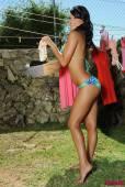 Sasha-Cane-Hanging-Out-Her-Washing-In-The-Sun-z6vsgg17zl.jpg