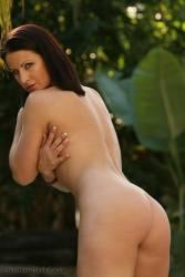 Tina-Brown-Bikini-%28301-pics%29%281600x1067%29-w6wava7fl5.jpg