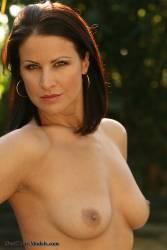 Tina-Brown-Bikini-%28301-pics%29%281600x1067%29-46wauudbue.jpg