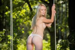 Maria Rubio Swinging - 120 pictures - 7360px-x6wwir0yf3.jpg