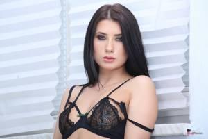 Nicole-Black-in-DAP-v6xc4mrw3d.jpg