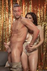 Valentina-Nappi-Golden-Goddess-292x-2495x1663-x6xguragk0.jpg
