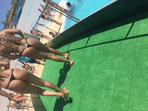 Voyeur Spy - swimming pool amazing asses [x41]16xglulvd2.jpg