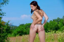 Rebekka-Casual-In-Nature-117-pictures-6720px-66x7k5d5lg.jpg