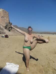 Huge-Natural-Tits-On-Vacation-16xvv3djxa.jpg