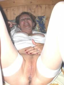 Sexy-milf-Sylvie-4-x104-i7acqm8e7t.jpg