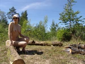 Outdoors-wife-x30-y7ad7bi0sc.jpg