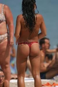 Beach-Voyeur-%26-Topless-%2845-Pics%29-a7ae4ptgkm.jpg