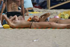 Beach-Voyeur-%26-Topless-%2845-Pics%29-n7ae4qx3ie.jpg