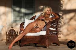 Megan-Marie-Provocative-Sunset-x168-3000px-07ainqi1b1.jpg