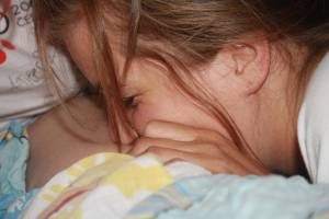Teen-girls-in-puberty-experimenting-during-sleepover-x36-r7a032djyz.jpg