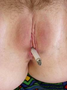 Smoking-Teen-and-her-Pussy-n7a01t4io1.jpg