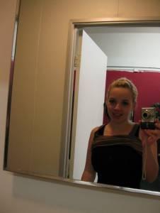 Blonde-Teen-Girl-Naked-Private-Self-Pics-x36-l7a23a7azn.jpg