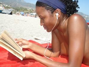 Sexy-Black-Girl-Likes-To-Get-Naked-At-The-Beach-x27-u7a2wn02u2.jpg