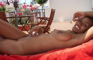 Sexy-Black-Girl-Likes-To-Get-Naked-At-The-Beach-x27-b7a2wmtyyz.jpg