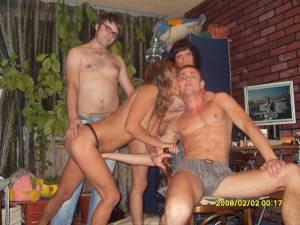Blonde-girl-gangbang-parties-x70-37a3a3abp7.jpg