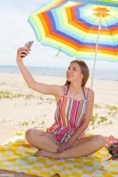 Dominika Beach Kiss - x100y7aosefhdv.jpg