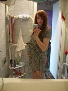 Brunette-Teen-Wants-To-Become-Pregnant-57au60ogre.jpg