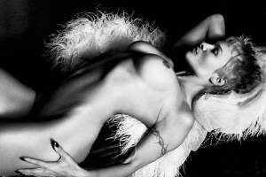 Pamela-Anderson-%E2%80%93-PURPLE-Magazine-Nude-Photoshoot-%28NSFW%29-37be4mlakv.jpg