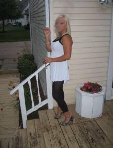 Horny-Amateur-Blonde-x319-77bep71hmy.jpg