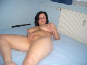 Girl-with-huge-natural-Boobs-x-51-l7bfdismum.jpg