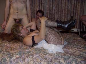 Mature-Woman-Gangbanged-In-An-Orgy-e7b1551kez.jpg