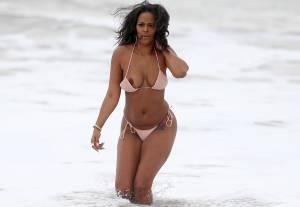 Sundy-Carter-Tit-Slip-On-The-Beach-In-Malibu-n7b47mgva0.jpg