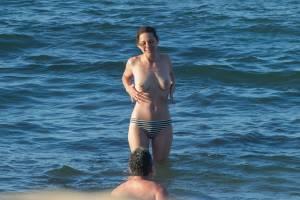 Marion-Cotillard-Topless-On-The-Island-Of-Fuerteventura-k7bntgdqsj.jpg
